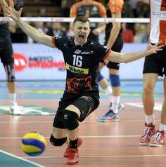 Biało-czerwone Final Four? Polskie drużyny krok od historii - http://sport.tvn24.pl/siatkowka,119/siatkarska-lm-skra-i-resovia-walcza-o-final-four,523015.html