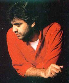 Andrea Bocelli - Beautiful voice!