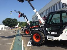 Bobcat has held a special ceremony to celebrate the 50th anniversary of the Bobcat telescopic handler plant at Pontchateau in Loire-Atlantique in France, which was attended by almost 250 people, including local dignatories and former employees of the plant.