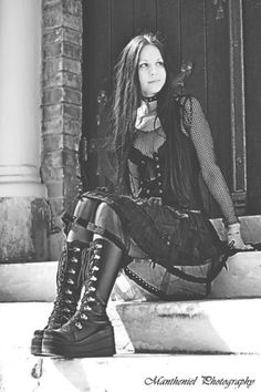 Sweet and lovely #Goth girl