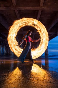 Light painting with fire - Photography, Landscape photography, Photography tips Light Painting Photography, Fire Photography, Fantasy Photography, Exposure Photography, Photography Projects, Creative Photography, Amazing Photography, Portrait Photography, Steel Wool Photography