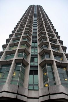 Centrepoint, London. Architect - Richard Seifert. Hideous. Famous for remaining empty for years.