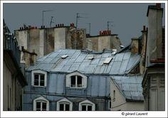 toits de la rue Chénier après l'orage Paris 2ème arrondissement by gérard Laurent