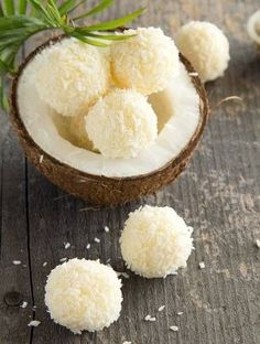Lemon+and+Coconut+Bliss+Balls.+Another+Viral+Hit. For those with tree nut allergies (like myself), substitute the almonds with sunflower or pumpkin seeds (raw). Coconut Candy, Lemon Coconut, Coconut Oil, Bliss Balls, Tree Nut Allergy, Eid Food, Delicious Desserts, Yummy Food, Light Desserts