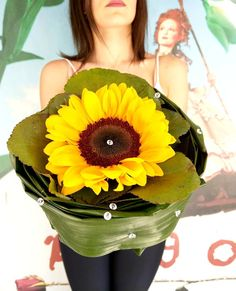 Άνθος E Flowers, Summer Flowers, Summer Colors, Fresh Flowers, Flower Art, Summer Vibes, Greece, Bouquet, In This Moment