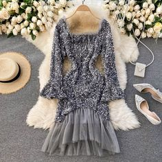 Girls Fashion Clothes, Teen Fashion Outfits, Girl Fashion, Fashion Dresses, Cute Casual Outfits, Chic Outfits, Estilo Madison Beer, Frocks And Gowns, Baby Girl Dress Patterns