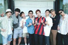 Baekhyun Chanyeol, Exo Kai, Park Chanyeol, Exo Group Photo, Luhan And Kris, Exo Album, Exo Lockscreen, Exo Members, K Idols