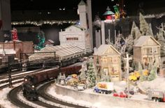 Christmas trains at the Cincinnati Museum Center