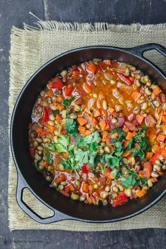 Hands-down BEST black eyed peas recipe you'll try! A rich and hearty vegan black-eyed peas stew with loads of veggies and bold Greek flavors! Great way to feed a crowd on a budget. Low calorie and gluten free. Get this Mediterranean diet recipe today! Pea Recipes, Curry Recipes, Healthy Recipes, Veggie Recipes, Mediterranean Diet Recipes, Mediterranean Dishes, Best Black Eyed Pea Recipe, Cooking Black Eyed Peas, Greek Spices