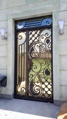 Grill Door Design, Door Gate Design, Door Entryway, Entrance Doors, Metal Gates, Metal Doors, Pattern And Decoration, Pattern Art, Wrought Iron