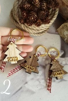 Χειροποίητα Christmas Images, Kids Christmas, Christmas Tree Ornaments, Christmas Decorations, Teacher Christmas Gifts, Handmade Christmas Gifts, Hobbies And Crafts, Diy And Crafts, Lucky Charm
