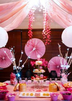 kokeshi party table