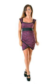 Robe courte croisée sweetheart en coton noir et violet : Robe par gwaelonna dress / ootd