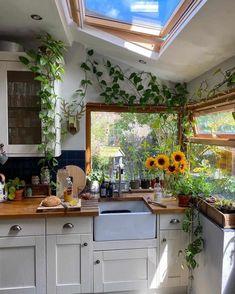 Home Decor Kitchen, Kitchen Interior, Home Kitchens, Bohemian Kitchen Decor, Hippie Home Decor, Bohemian Interior, Bohemian Apartment Decor, Hippie Kitchen, Green Kitchen Decor