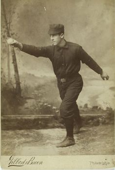 Base-ball player - Bill Gleason a joué entre 1882 et 1889 Baseball Playoffs, Baseball Star, Baseball Uniforms, Baseball Photos, Baseball Cards, Baseball Quilt, Funny Baseball, Creepy Old Photos, St Louis