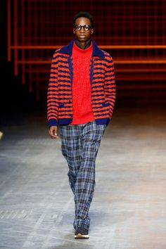 Colorful sweaters, like this one from Missoni, will soon be taking over your closet. Don't be afraid. Fashion Advice, Fashion News, Mens Fashion, Milan Fashion, Ripped Denim, Denim Shirt, Black Male Models, Missoni, Jeans Style