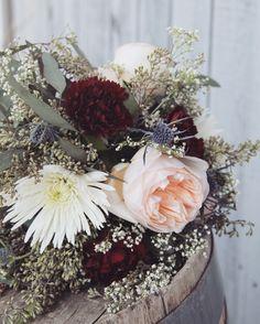 insta: @allisoncarolcreatives #photography #photographer #nature #floral #flowers #bouquet #floralbouquet #wedding #weddingflorals #weddingflowers #rose #carnations #mums #babiesbreath