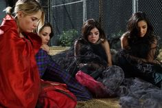 SPOILER ALERT! These Pics from Pretty Little Liars Season 6 Episode 1 Will Freak You Out