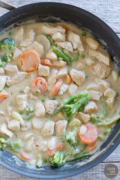 Peanut Chicken Stir Fry on www.tasteandtellblog.com