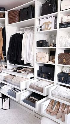 135 best walk in closet ideas and picture your master bedroom - page 10 ~ Modern House Design Walk In Closet Design, Bedroom Closet Design, Master Bedroom Closet, Closet Designs, Bedroom Decor, Rich Girl Bedroom, Bedroom Ideas, Bedroom Storage, Dream Closets