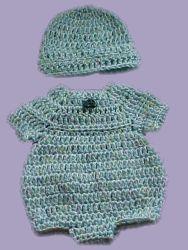 Mariyln's Preemie Bubble Suit free crochet pattern - hat 35dc