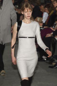 Helmut Lang at New York Fashion Week Fall 2001 - Livingly