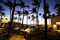 Hawaii offers an incredible range of restaurants and cafes to suit every taste. Credit: Hawaii Tourism Authority (HTA) / Tor Johnson