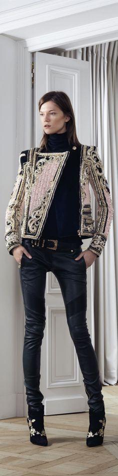 Balmain Parigi - Pre-Fall 2012 2013 - Shows - Vogue. Look Fashion, Fashion Details, High Fashion, Winter Fashion, Womens Fashion, Fashion Design, Fashion Trends, Mode Style, Style Me