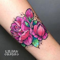 """1,907 Likes, 20 Comments - Lilian Raya (@lilianraya) on Instagram: """"Florecitas para el primer tatuaje de Ingrid. Amo con locura hacer flores y más cuando son de…"""""""