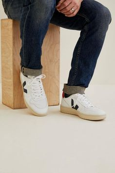 Veja's Men's Sneaker Nautico Pekin by Amour Vert Veja Sneakers, Gucci Sneakers, Casual Sneakers, Sneakers Women, Athleisure Shoes, Dolce Gabbana Sneakers, White Leather Shoes, Shoes With Jeans, Pink Adidas