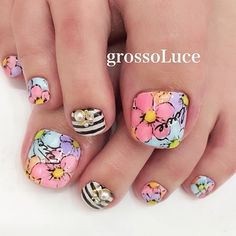 Imagine similară Pedicure Designs, Pedicure Nail Art, Toe Nail Designs, Toe Nail Art, Easy Nail Art, Painted Toes, Floral Nail Art, Hot Nails, Pretty Toes