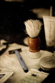 Shaving brush and razor, get your very own set at the @Matt Valk Chuah Art of Shaving.    Photo by ~*Shell*~ [needs to get organised!]