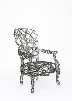 Engineering Temporality - Markunpoika, sillón elaborado con tornillos