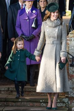 Kate Middleton Style & Fashion: The Duchess of Cambridge's Dresses Kate Middleton Outfits, Kate Middleton Stil, Estilo Kate Middleton, Kate Middleton Fashion, The Duchess, Duchess Of Cambridge, Catherine Cambridge, Royal Family Christmas, Christmas 2019