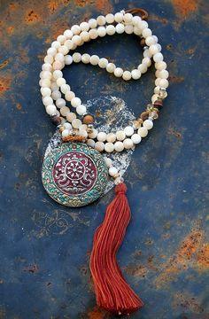 Japa Mala, Collier de prières {utilisation et signification en lien}