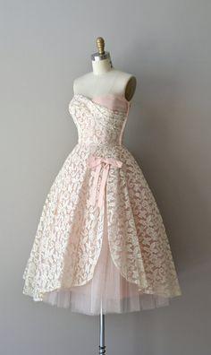 Châteauroux lace dress / 1950s dress / vintage lace by DearGolden