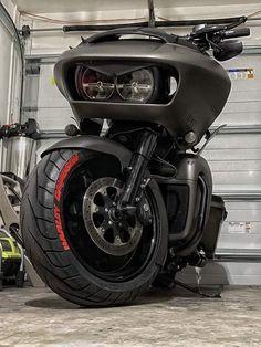 Harley Road Glide, Harley Davidson Road Glide, Harley Davidson Motorcycles, Harley Bagger, Harley Bikes, Motorcycle Garage, Motorcycle Design, Custom Harleys, Custom Bikes