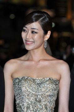CANNES, FRANCE - MAY 26:  Kim Hyo Jin attends the 'Do-nui Mat' premiere during the 65th Annual Cannes Film Festival at Palais des Festivals on May 26, 2012 in Cannes, France.