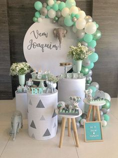 Idee Baby Shower, Baby Shower Deco, Unisex Baby Shower, Boy Baby Shower Themes, Baby Shower Balloons, Baby Shower Gender Reveal, Baby Boy Shower, Decoration Restaurant, Baby Tea