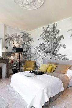 The most beautiful tropical wallpapers Tropical wallpaper: a black and white pattern for a discreet exotic decor. Home Decor Bedroom, Living Room Decor, Master Bedroom, Bedroom Black, Bedroom Ideas, Bedroom Inspiration, Diy Bedroom, Home Interior, Interior Design