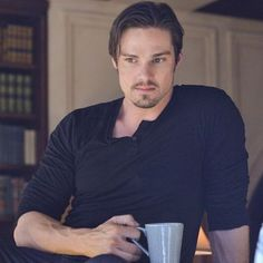 Vincent wishes you a wonderful and relaxed Sunday, my Darlings ❤️ #jayryan #jayryanfans #jaystin #vincentkeller #vincat #krisjay #kristinkreukfans #kristinkreuk #cwbatb #cwbeautyandthebeast #catherinechandler #beasties #batb #beautyandthebeastcw #batbcw #beautyandthebeast #batbfan #batbfans #thecw #season4 #batbisback