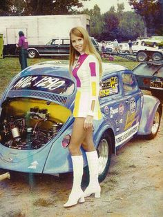 Retro auto and pin-ups & some explicit nude pictures. No plastic cars and plastic girls here! Plastic Girl, Hot Vw, Vw Vintage, Vintage Stuff, Vintage Boots, Vw Cars, Race Cars, Grid Girls, Vw T1