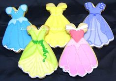 New cookies decorated disney princess dresses Ideas Disney Princess Cookies, Disney Cookies, Disney Princess Party, Princess Birthday, Cookies For Kids, Cute Cookies, Cupcake Cookies, Cupcakes, Galletas Cookies