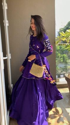 Party Wear Indian Dresses, Designer Party Wear Dresses, Indian Gowns Dresses, Indian Fashion Dresses, Indian Designer Outfits, Party Dresses, Fancy Dress Design, Stylish Blouse Design, Stylish Dress Designs