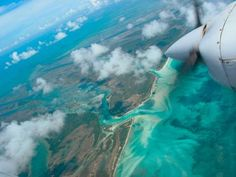Aerial approach to Abaco