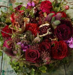 How To Make Your Flower Bouquets Last Longer The moment you take your fresh flower bouquets home from the store, the clock is ticking. Fall Flowers, Fresh Flowers, Wedding Flowers, Deco Floral, Arte Floral, Amazing Flowers, Beautiful Flowers, Bouquet Champetre, Flower Boxes