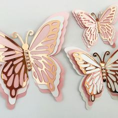 Learn how to make this beautiful DIY Paper Butterfly that is perfect for Wedding wall Paper Flowers Craft, Giant Paper Flowers, Diy Flowers, Paper Butterflies, Paper Flower Wall, 3d Paper Crafts, Flower Diy, Paper Roses, Butterfly Crafts