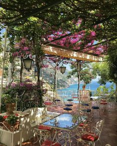 Beautiful Places Discover Where to Stay in Positano - Petite Suitcase A detailed guide on where to stay in Positano on the Amalfi Coast. Discover all the best accommodation options from affordable B&Bs to luxury hotels. Beautiful Places To Travel, Most Beautiful Cities, Cool Places To Visit, Places To Go, Beautiful Scenery, Romantic Travel, Amazing Places, Places In Italy, Beautiful Things