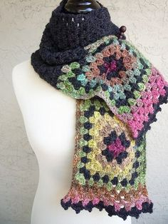 Nacho Granny's Scarf pattern by Michelle B. : A few people have requested this scarf after I made it for the Special Olympics. Knitting Blogs, Knitting Yarn, Knitting Patterns, Crochet Patterns, Finger Knitting, Scarf Patterns, Knitting Tutorials, Knitting Machine, Free Knitting