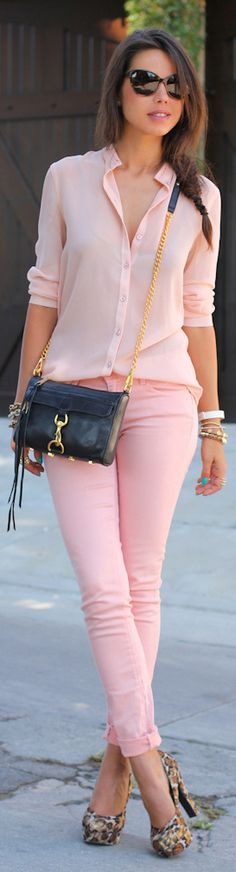 Pink color blocking at its best. The bag really stands out too. I need more pink in my closet. It's such a feminine, soft color.